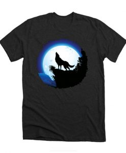 Wolf Howling at Blue Moon T-Shirt